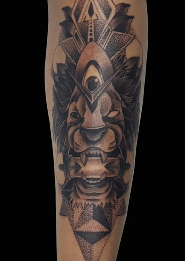tattoo LEON MANDALA