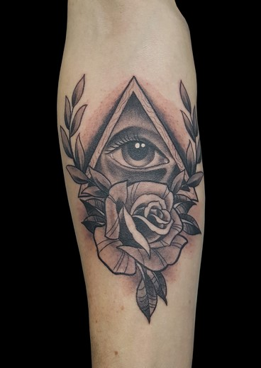 tattoo OJO-TRIANGULO